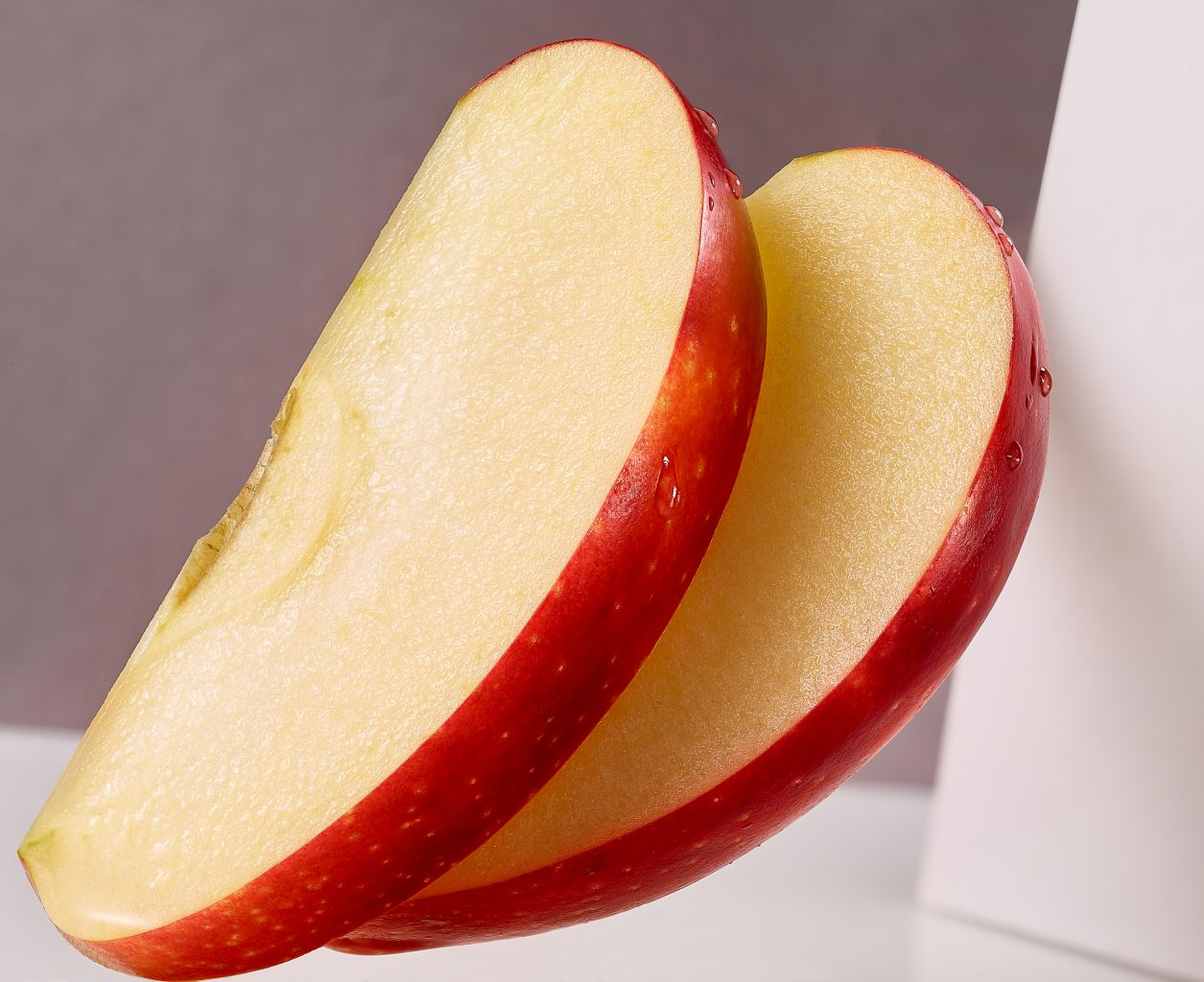 pack shots of apple slices for Müller Milch Packaging