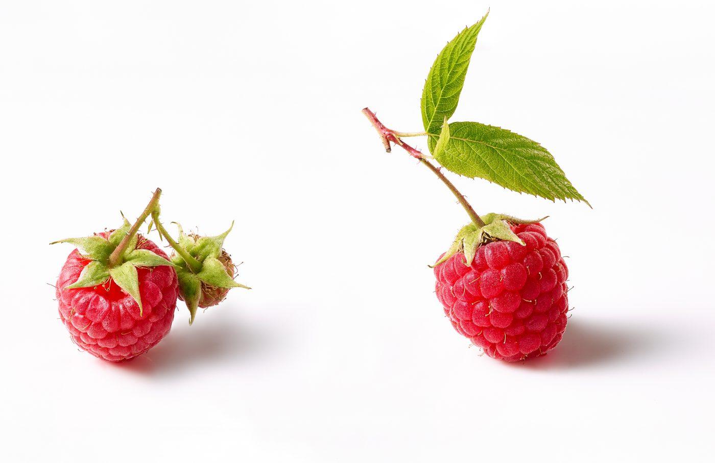 pack shots raspberry for fruit buttermilk müller